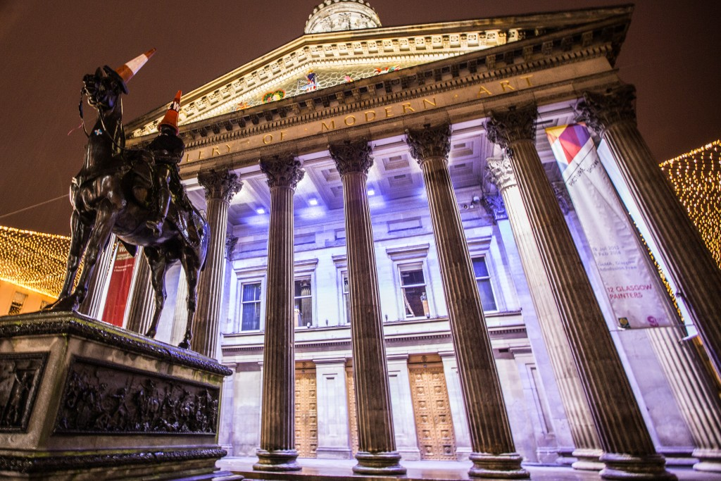 The Gallery of Modern Art (GoMA) in Glasgow at night