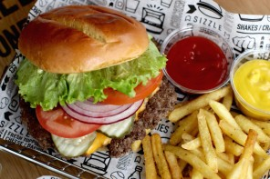 In Pictures: Smashburger opens on Sauchiehall Street