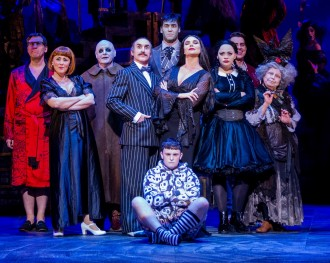 The-cast-of-THE-ADDAMS-FAMILY.-Credit-Matt-Martin-3-1