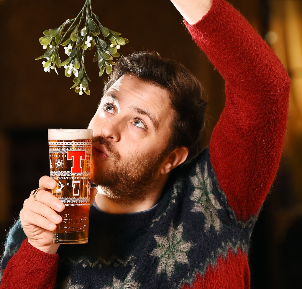 Tennent's Christmas Glass. 29/11/17 Picture © Andy Buchanan 2017