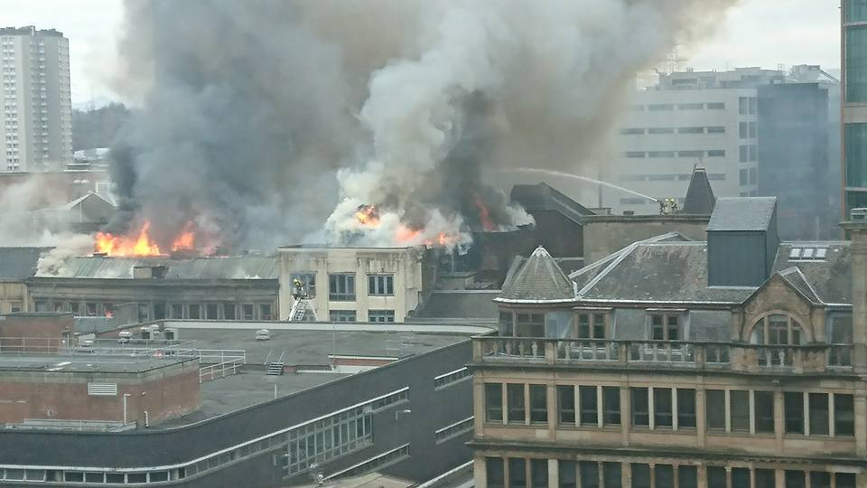 In Pictures Major Fire Engulfs Buildings On Sauchiehall