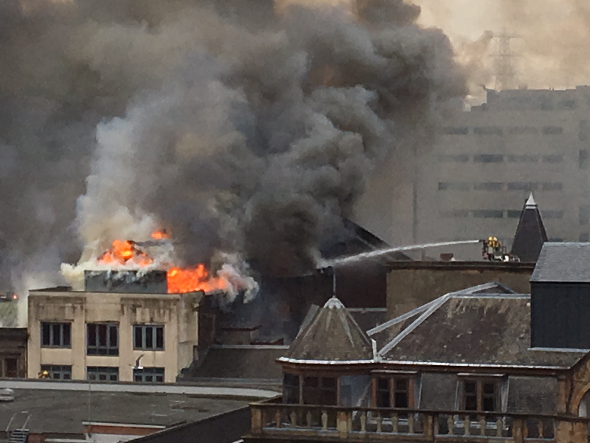 In Pictures: Major fire engulfs buildings on Sauchiehall ...
