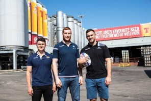 Scottish Rugby Stars Try a Pint at Wellpark Brewery